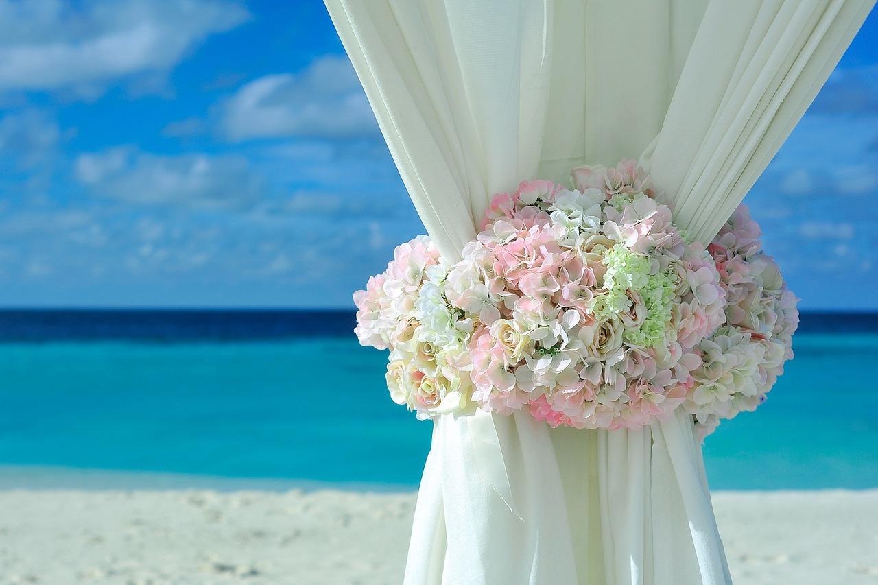 matrimonio in spiaggia, sposarsi in spiaggia, matrimonio a napoli,