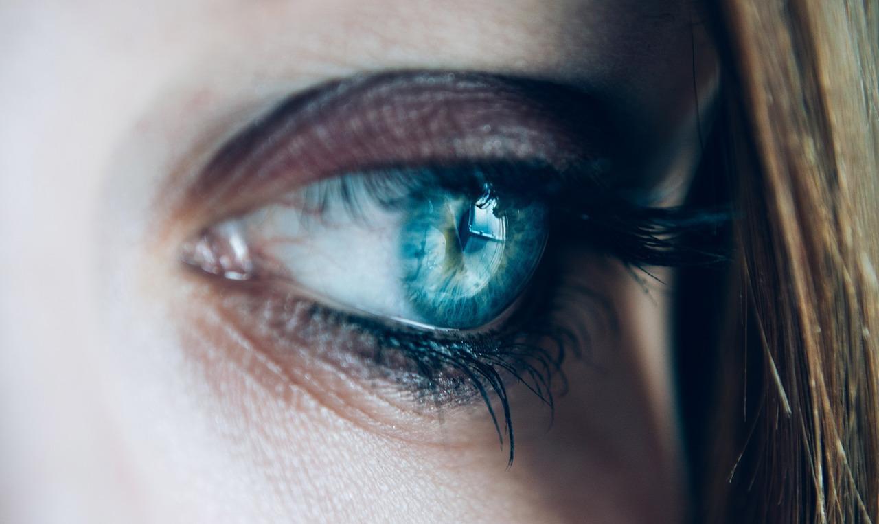 Benessere degli occhi, consigli occhi stanchi, ginnastica facciale occhi,